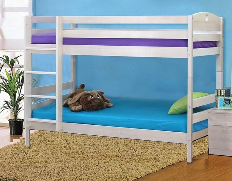 Кровать детская двухъярусная массив